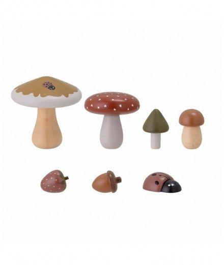 Ensemble de champignons et fruits en bois